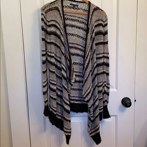 American Eagle long sleeve crochet cardigan